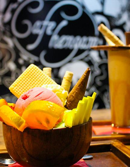 hangam cafe mashhad
